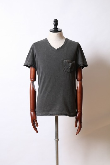 wjk short-V pocket-T with leather