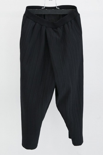 JULIUS TUCKED PLEATING PANTS_ju92