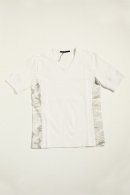 【20%OFF】AKM V -NECK T WHITE COMBI
